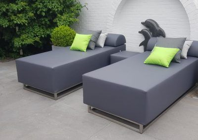 Loungebank en loungebedden, RVS frame